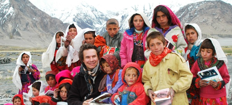 GregMortenson with kids comp